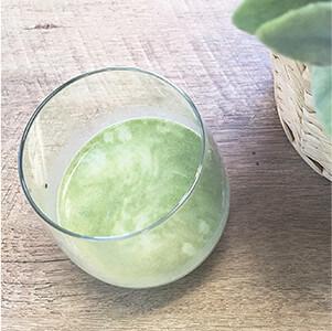 牛乳×すっきりフルーツ青汁