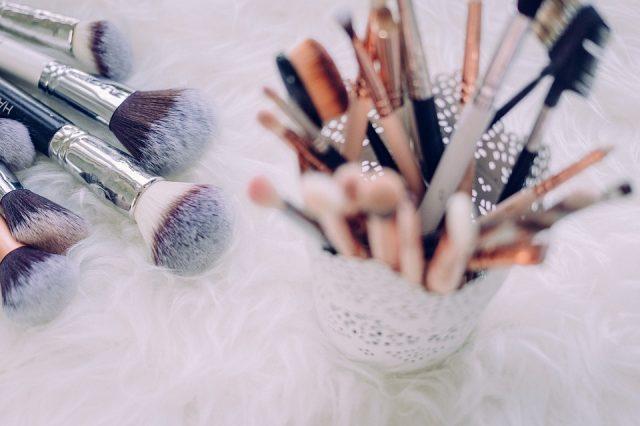 化粧用ブラシ