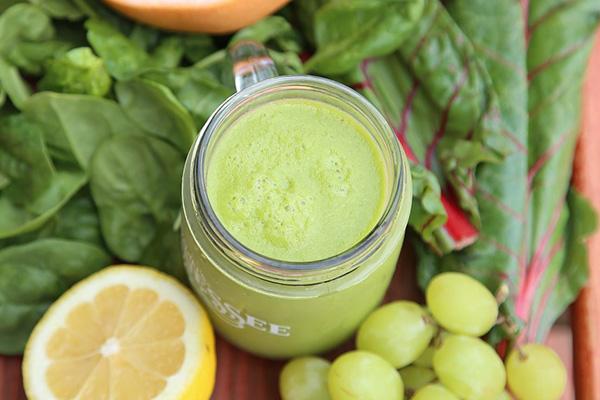 ビタミンと食物繊維豊富なシェイク