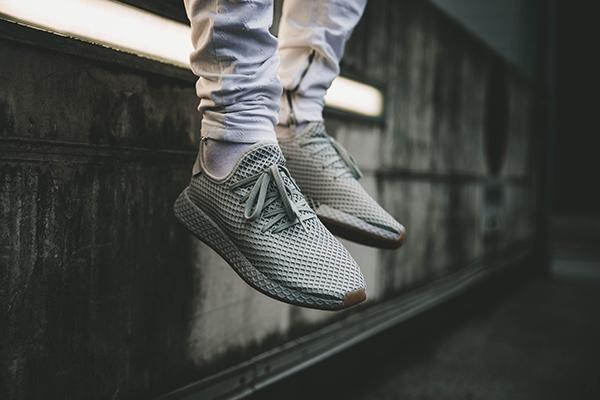 メッシュ素材の靴